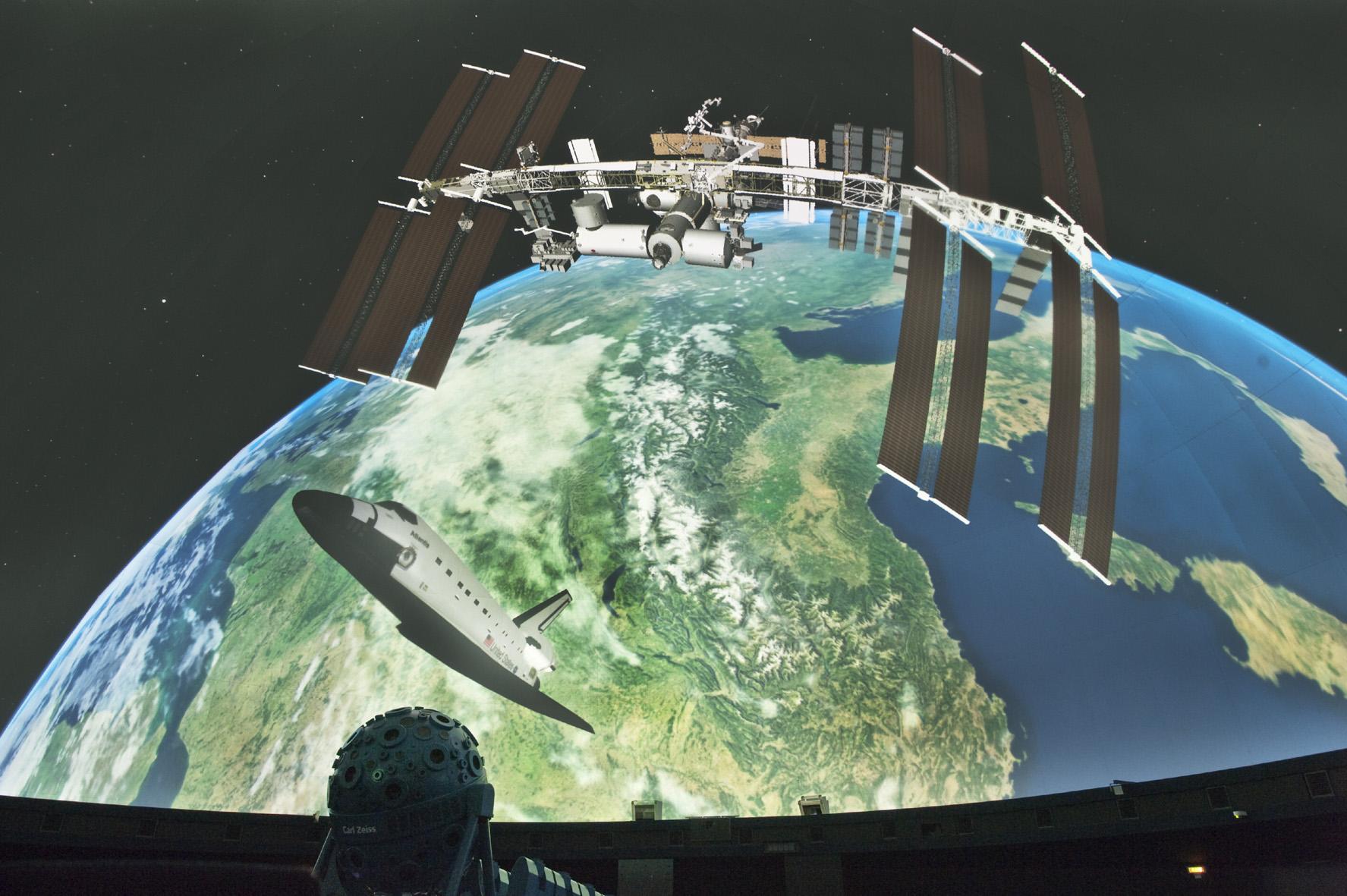 Bilddatei: Faszination_Weltall_ISS(c)LWL,Oblonczyk.jpg