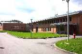 Eingangsbereich des LWL-Therapiezentrums Marsberg (Link zum LWL-TZ Marsberg)