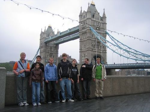 Vor der Tower Bridge!