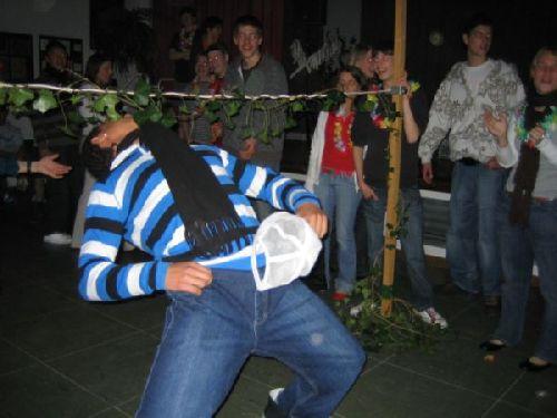 Limbo-Dance vom Feinsten!