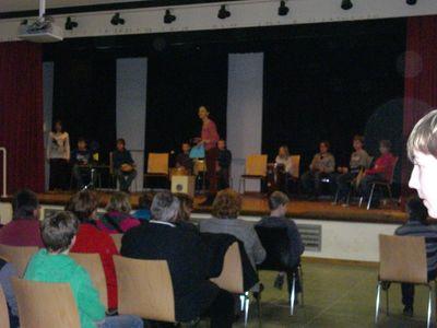 """Es gab ein tolles """"Zwergen-Theaterstück"""" der Klasse 7 von Frau Allhoff"""