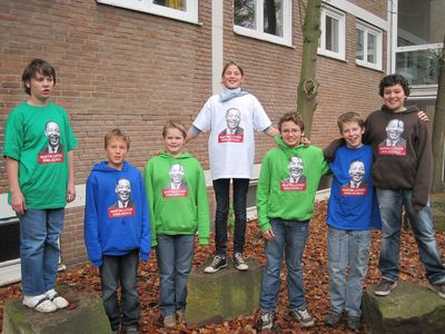 Cool! Klasse 7 in den neuen MLK-T-Shirts