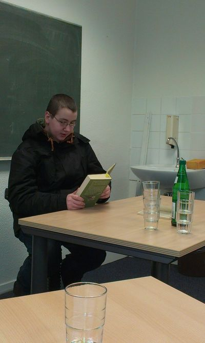 Ich lese vor...