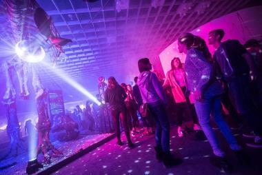 """Das Publikum bei """"Reset - Nachts im Museum"""" kann sich unter anderem auf Live-Musik im LWL-Planetarium von drei verschiedenen Bands freuen.<br>Foto: LWL/Steinweg"""