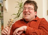 Foto: Person mit einem Musikinstrument