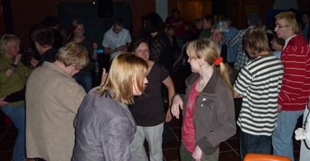Die tanzende Menge