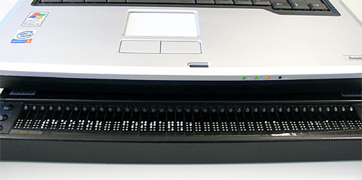 Laptop mit Braillezeile