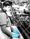 Weberinnen an mechanischen Webstühlen, um 1910 (Ausschnitt) / Münster, Landesbildstelle Westfalen
