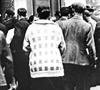 Kunden vor der Darmstädter und Nationalbank während der Bankenkrise 1931 (Ausschnitt) / Münster, Westfälisches Landesmedienzentrum