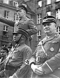 Entourage des Gauleiters Wagner beim Kreistag der NSDAP in Bochum, 1937 (Ausschnitt) / Bochum, Stadtarchiv, Fotosammlung, F II I