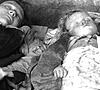 Ziviltote nach einem Bombenangriff auf Bochum während des Zweiten Weltkriegs (Ausschnitt) / Bochum, Stadtarchiv, Fotonachlass Camillo Fischer, Neg.-Nr. 571/A 35 A