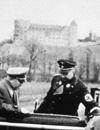 Heinrich Himmler im Januar 1937 mit Dr. Ley im Almetal unterhalb der Wewelsburg (Ausschnitt) / Foto: F. Hiebel, 1937, Privatbesitz