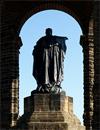 Standfigur Kaiser Wilhelms im Kaiser-Wilhelm-Denkmal, Porta Westfalica / Foto: Münster, Marcus Weidner, 27.09.2009
