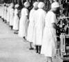 Arbeiterinnen im Maschinensaal (Abfüllanlage) der Firma Dr. Oetker, Bielefeld, 1930 (Ausschnitt) / Bielefeld, Stadtarchiv und Landesgeschichtliche Bibliothek