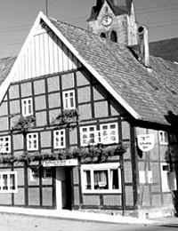 Dorfansicht mit Gastwirtschaft in Hillentrup (Ausschnitt) / Münster, Westfälisches Landesmedienzentrum, 05_2455