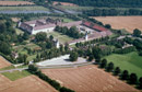Die Gesamtanlage (Klosterfreiheit) von Kloster Corvey im Luftbild, von Nordwesten / Stuttgarter Luftbild Elsässer GmbH