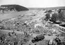 Aufräumarbeiten nach den Flutschäden infolge der Bombardierung der Möhnetalsperre am 16.05./17.05.1943 durch alliierte Bomber / Essen, Fotarchiv Ruhrverband
