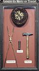 """""""Reliquien des Herrn von Bandel"""", Schaukasten mit Werkzeug von Ernst von Bandel (1800-1876) / Detmold, Lippisches Landesmuseum / Detmold, Lippisches Landesmuseum"""