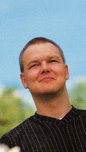 Das Bild zeigt einen Mann. Das Bild ist ein Ausschnitt aus einer Postkarte des LWL Psychiatrieverbundes
