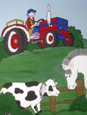 Das Bild zeigt einen Traktor und Kühe