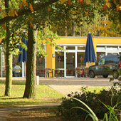 Dieses Bild zeigt das Cafe auf dem Gelände des Wohnverbundes